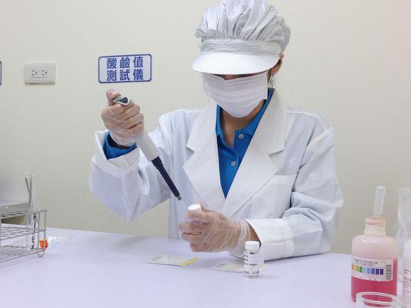 實驗室+檢驗人員04.JPG