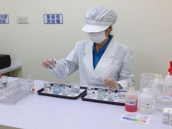 實驗室+檢驗人員03.JPG